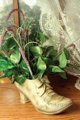 Victorian shoe planter