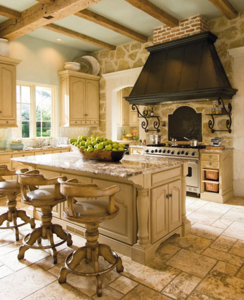 Fabulous kitden with island and big range hood