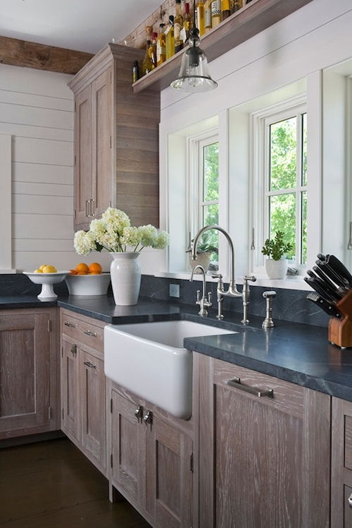 Chic country kitchen with wire brushed oak kitchen cabinets