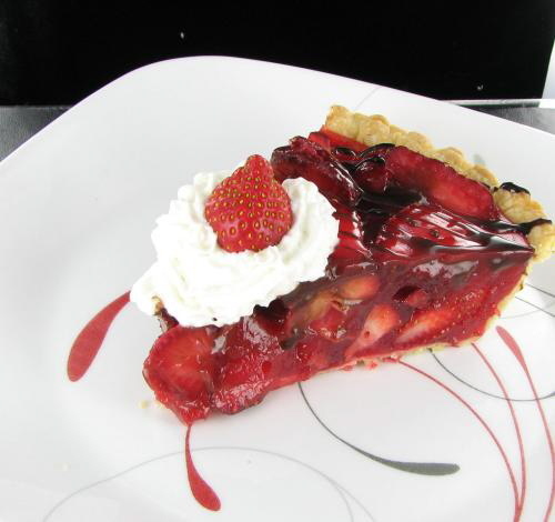 Easy Strawberry Pie with Whipped Topping - Delicious Summertime Treat ...