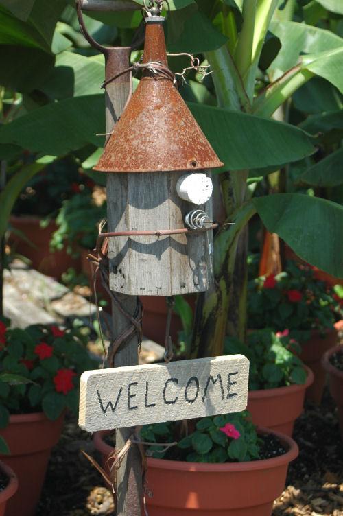 DIY funnel bird house