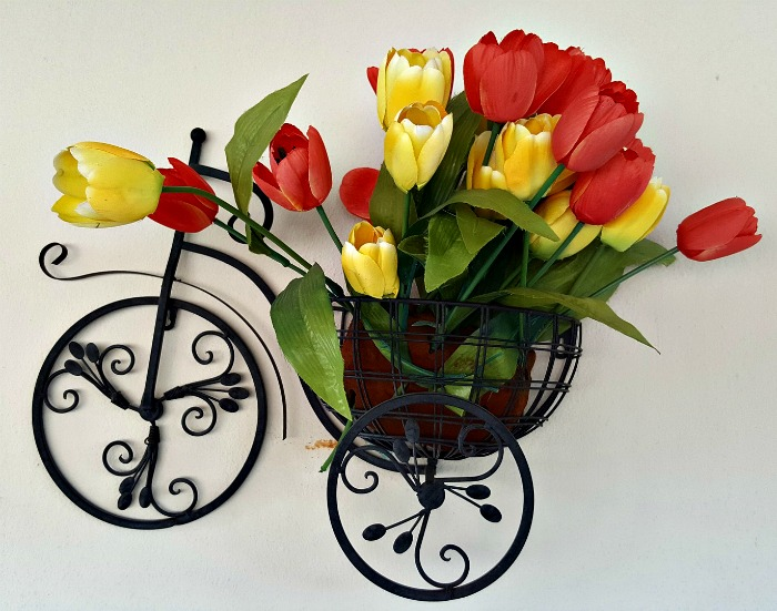 Wall planter with tulips