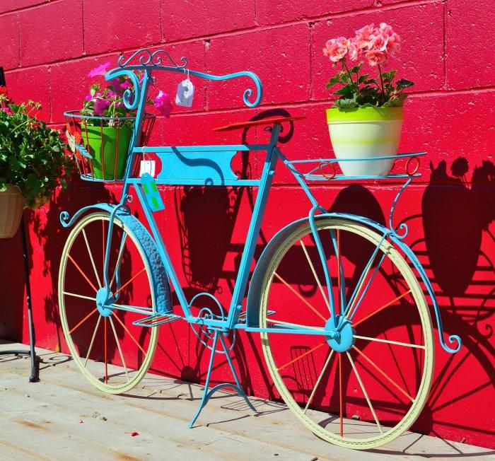 Modern looking Bicycle Planter