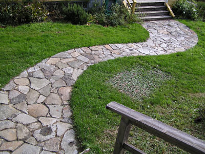 Interesting paths and walk ways the gardening cook for Landscaping rocks you can walk on