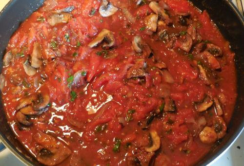 Home made mushroom marinara sauce