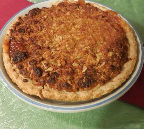 Dutch Apple Raisin Streusel Pie - The Gardening Cook