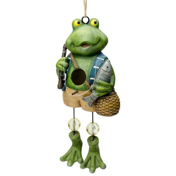 Adorable frog birdhouse