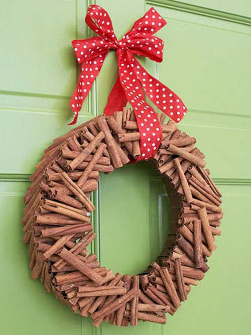 Cinnamon Stick Christmas wreath from bhg.com