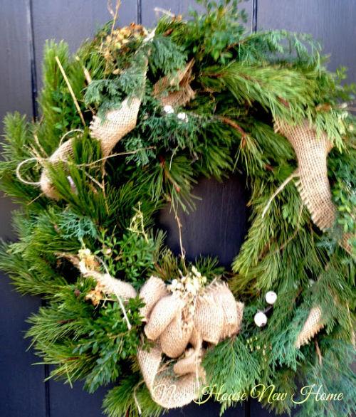 Christmas wreath with a Burlap bow from newhousenewhomenewlife.com