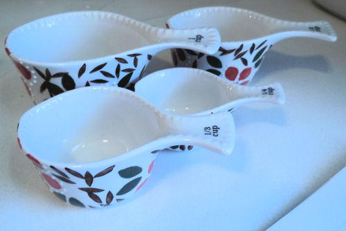 Porcelain measuring cups