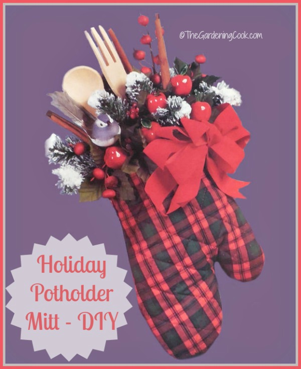 holiday pot holder mitt - cute hostess gift - the gardening cook