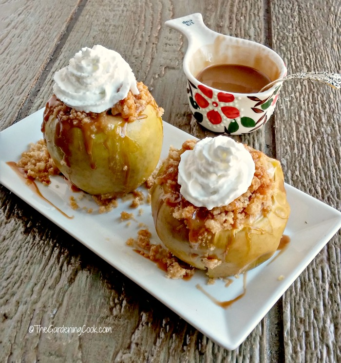 Apple crumble baked apples with whipped topping