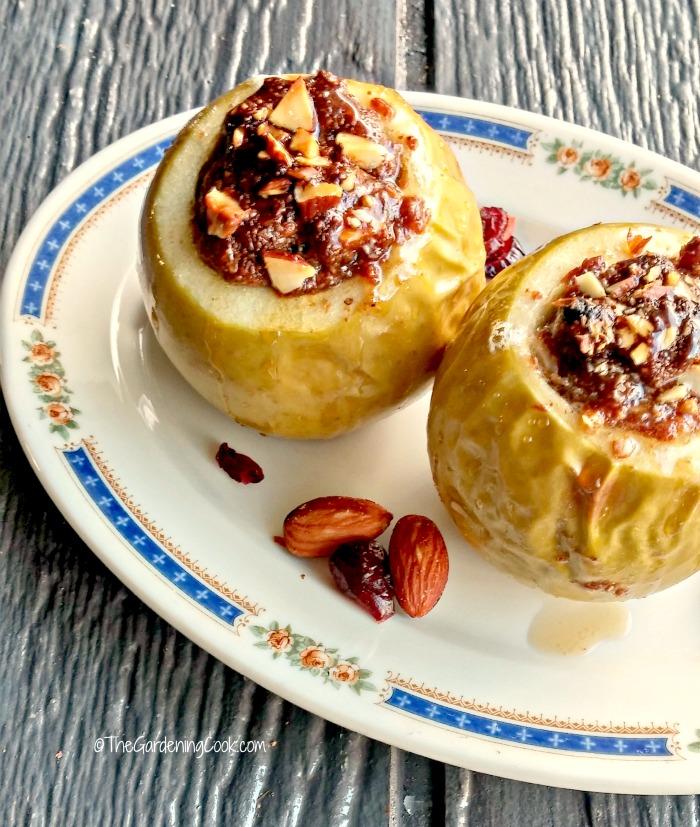 Paleo Nutella Baked Apples