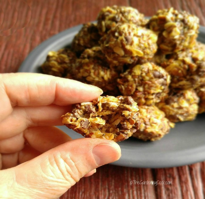 Close up of the no bake peanut butter energy bites