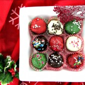 These fudge brownie truffle are so festive looking!