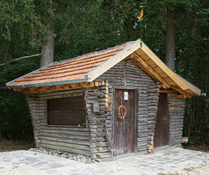 Garden Sheds - Log cabin style!