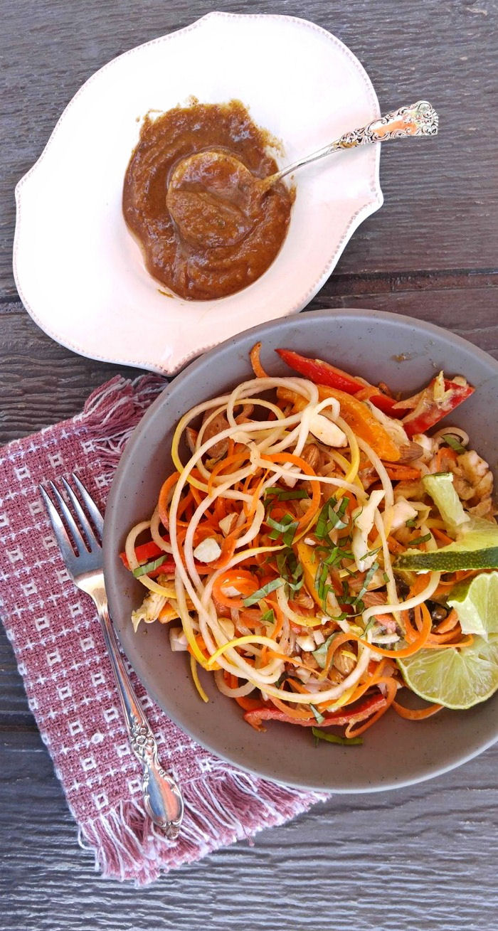 Asian zucchini noodle salad with spicy dressing