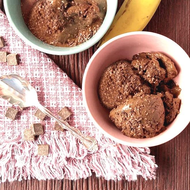 dark chocolate ice cream - Paleo and dairy free
