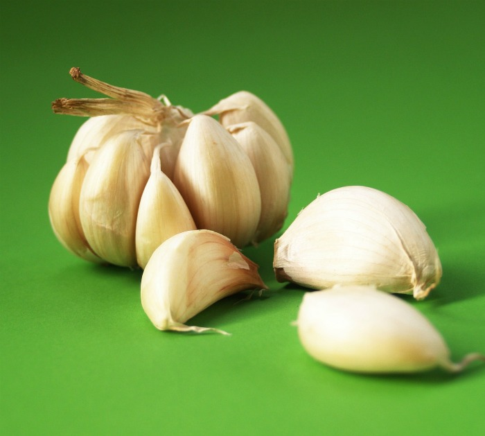 Separate garlic cloves before planting