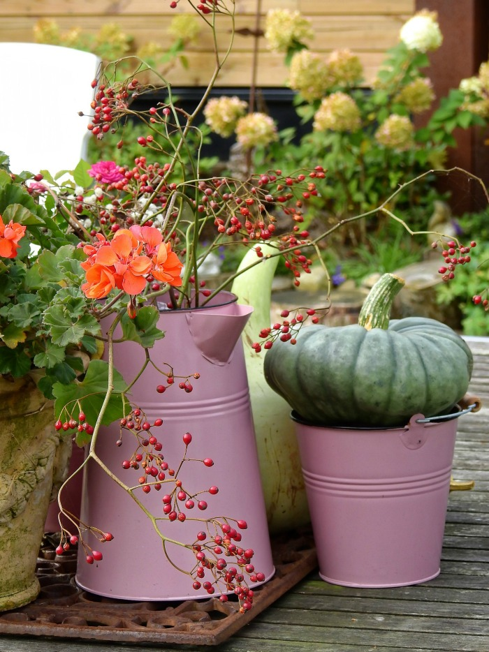 Creative gardening ideas - Pink teapot use as a planter