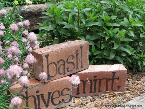 Creative gardening ideas: herbs labels made from old bricks