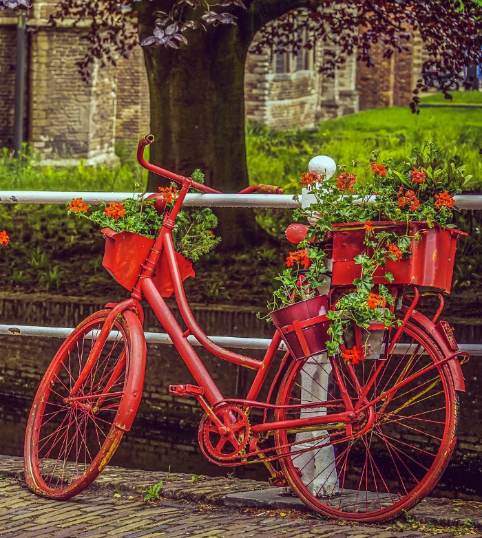 Creative gardening ideas - red bicycle planter