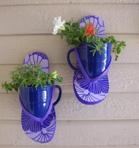 If you have flip flops and a mug, you have a cute planter