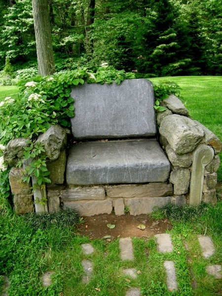 backyard retreat ideas stone chair - Backyard Retreat Ideas - Some Of My Favorites - From Around The Net