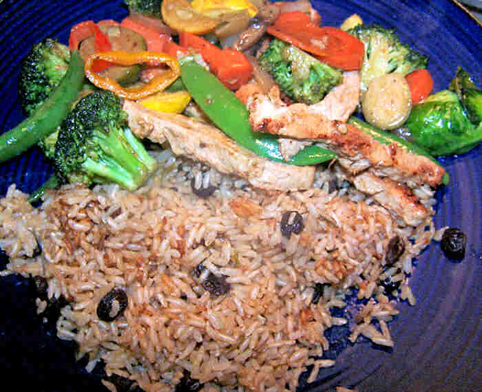 Vegetable and chicken stir fry with brown rice.