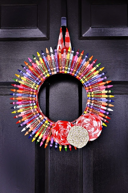 Door hanger made of crayons - great teacher gift.