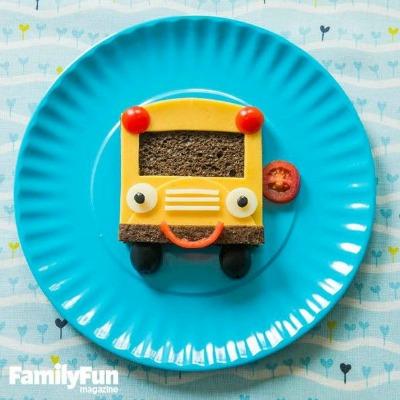 Cute schoolbus sandwich