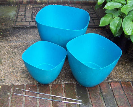 Staggered planter supplies