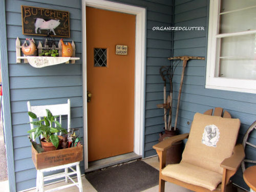 Charming front entryway with vintage memorabilia.
