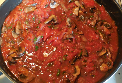 Home made mushroom marinara sauce