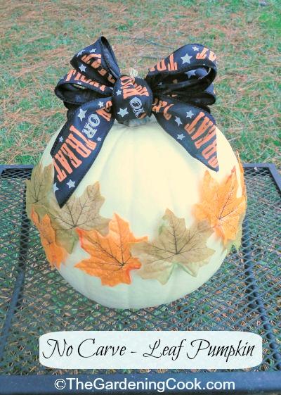 Halloween leaf pumpkin