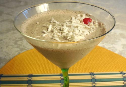 Cookies & Cream Frozen Coconut Rum Cocktail