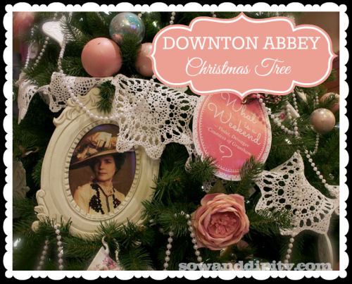 Downton Abbey inspired Christmas Tree from sowanddipity.com