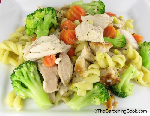 Garlic Chicken with Pasta and Vegetables
