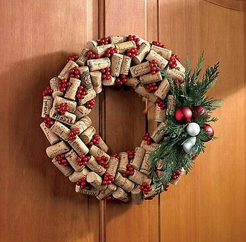 Wine Cork Christmas wreath from wineenthusiast.com