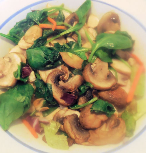 spinach and mushrooms on the salad