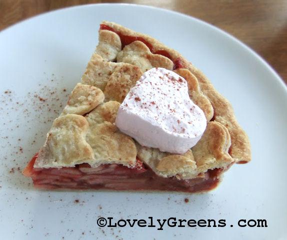 Valentine's day apple pie