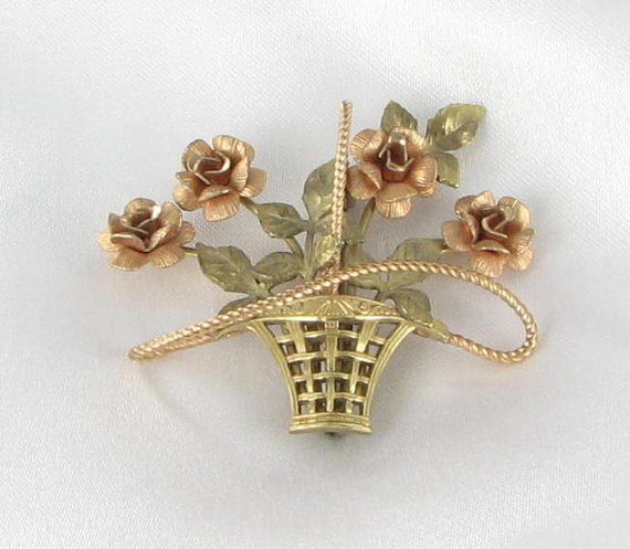 Kremetz gold filled flower pin
