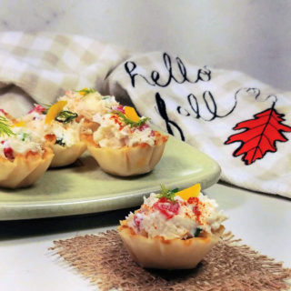 Crab appetizers in phyllo cups.