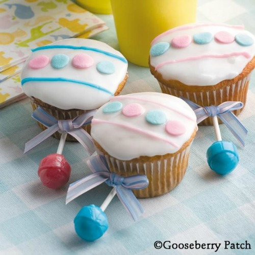 Baby Rattle cupcakes