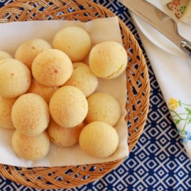 Brazilian Gluten Free Treat - Pão de Queijo - Cheese Rolls