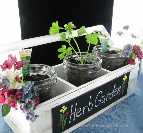DIY Herb Planter in Farmer's Market Display #EarthDayProjects
