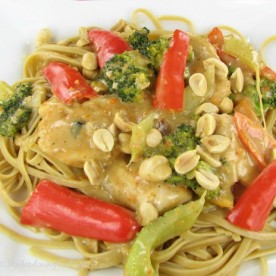 Thai peanut chicken with fresh vegetables