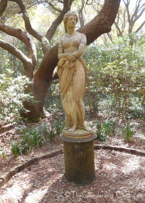 Virginia Dare statue