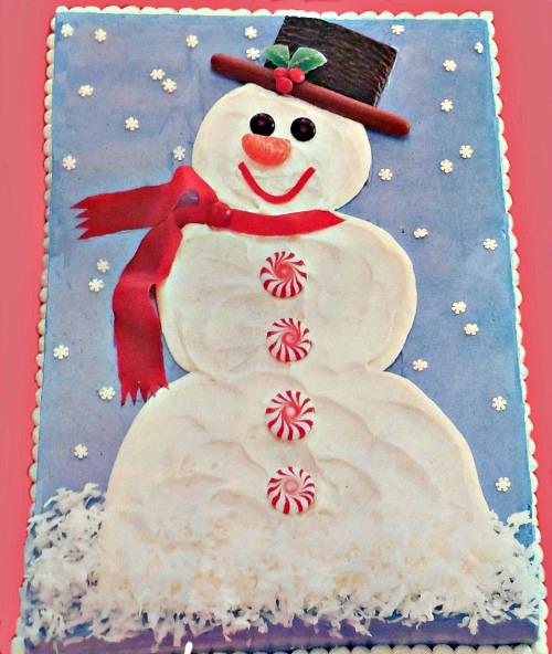 Sweet snowman Christmas cake