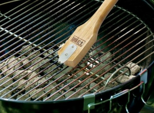 clean barbeque grill